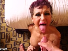 Еблю в жопу дамочка получает на кастинге с большим удовольствием